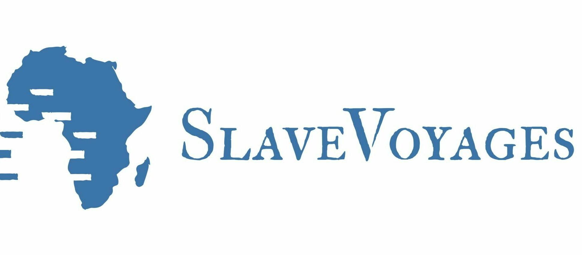 Em fundo branco, o logo de Slave Voyages, escrito em azul. Ao lado, o mapa do continente africano.